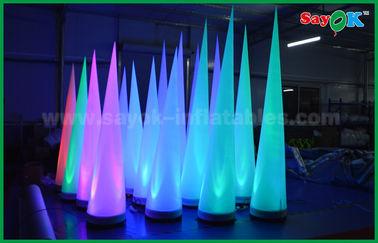 China Buntes Beleuchtungs-Bühnenbild-aufblasbarer Kegel für Verein/Förderung fournisseur