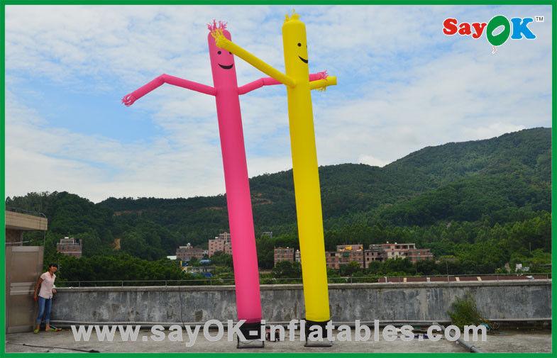 Feiertags Dekorationen Rotes Gelb Aufblasbarer Rohr Mann