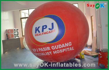 Rotes großes Helium steigt kommerziellen aufblasbaren Produkt-Helium-Gas-Ballon im Ballon auf