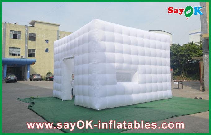 ausstellfenster aufblasbare w rfel zelt mittlere t r. Black Bedroom Furniture Sets. Home Design Ideas